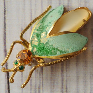 vintage rhinestone gold tone bug insect brooch pin